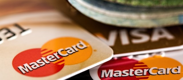 Protect Yourself from Holiday Credit Card Scams